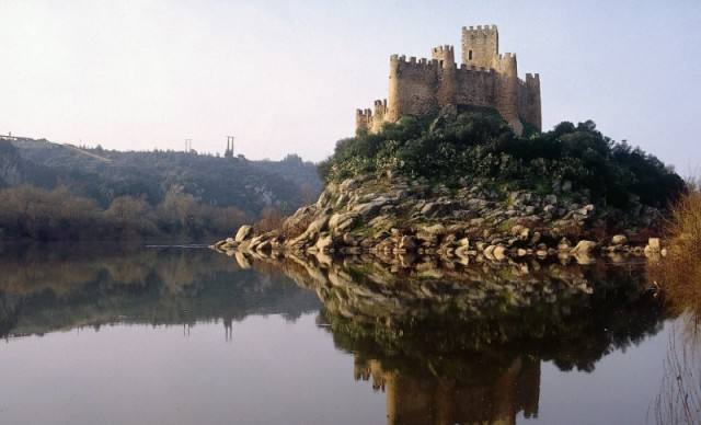 Vila Nova Da Barquinha Fatias De Ca No Castelo De Almourol