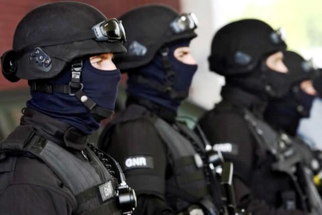 Militares da Unidade de Intervenção da Guarda Nacional Republicana ... 9fc8a376ee5